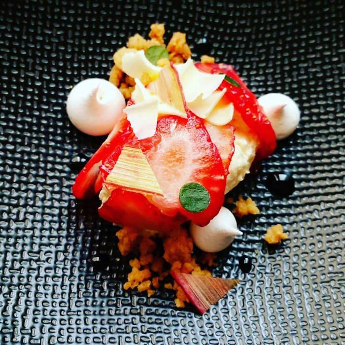 Déclinaison tarte fraise-rhubarbe-hibiscus